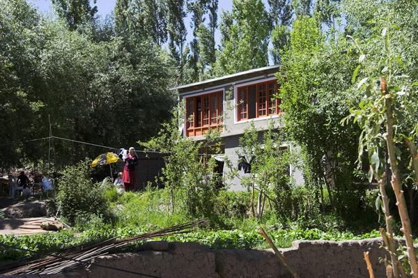 2006-06-21_14-32-55__MG_0274-01 leh haus
