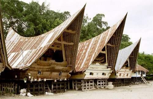 Batak Häuser, Pulau Samosir, Lake Toba, Sumatra, Indonesien