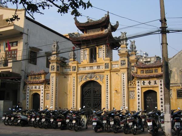 vietnam-2004-12-15 14-39-45 hanoi