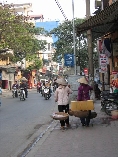 vietnam-2004-12-15 14-41-57 hanoi