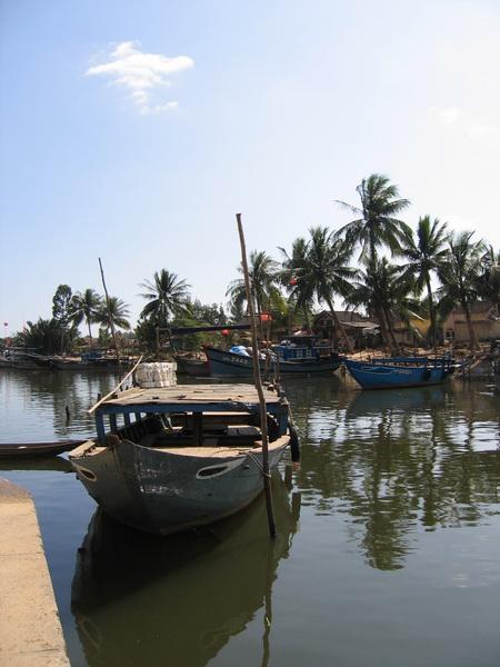 vietnam-2004-12-22 11-18-24 hoi