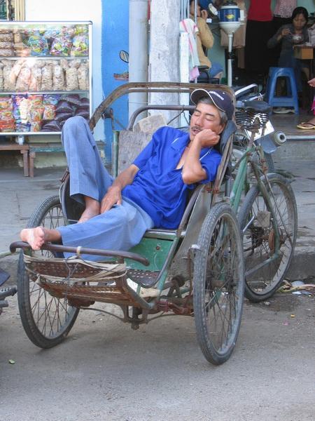 vietnam-2004-12-27 12-30-05 natrang