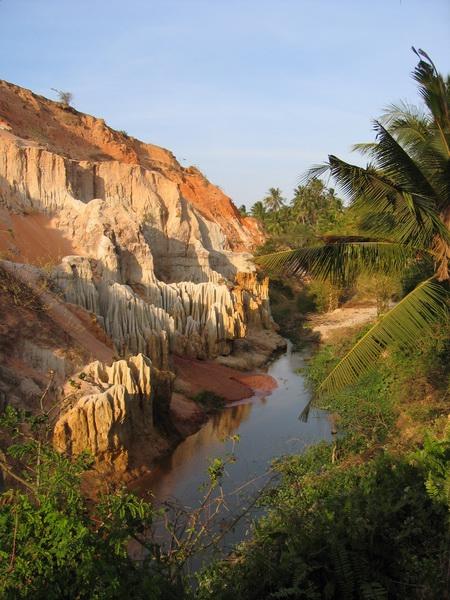 vietnam-2005-01-03 16-28-15 mui