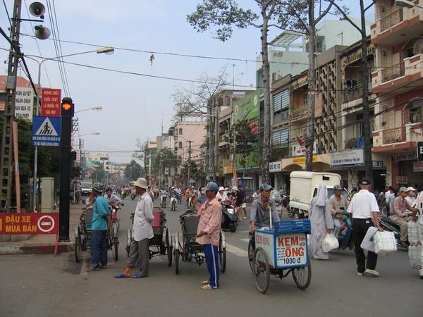 vietnam-2005-01-08 09-24-37 saigon